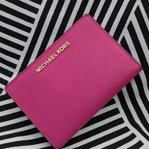 Michael Kors Fushia 2 in 1 Wallet w Card Case NWT